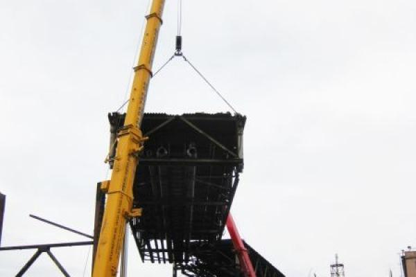 Демонтаж металлических конструкций Либхер 200т