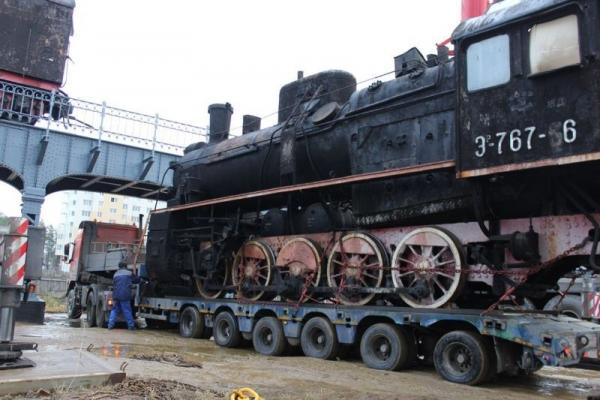 Подготовка к паровоза к монтажу